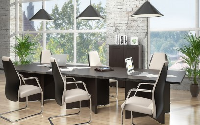 Главное достоинство предлагаемого комплекта мебели - практичность.