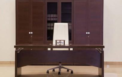 Кабинет «Премьер» создан для руководителей, предпочитающих просторные «воздушные» интерьеры.